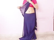 indian girl teaching how to wear s saree