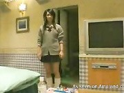 Asian schoolgirl gets on dealing cock between her smooth lips