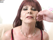 Look at this naughty mature lady as she sucks your cock
